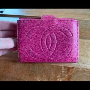 A Beautiful CHANEL Pinks Caviar Skin Wallet